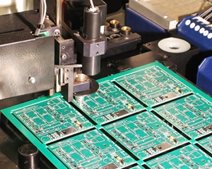The difference between positive and negative PCB boards